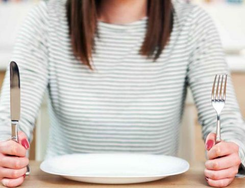 Skipping breakfast and not enough sleep can make children overweight img